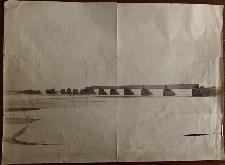 Victoria Bridge from Point St. Charles, Montreal during mid construction, albumen photo. William NOTMAN, photographer.