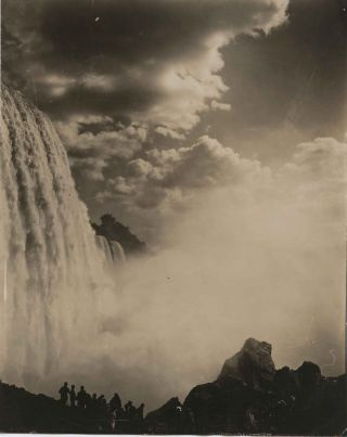 Five Niagara Falls photos, all signed and or inscribed by Jennings on reverse. William Nicholson...