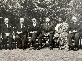 The 1960 Commonwealth Prime Ministers' Conference signed group photo of all 11 attendees.