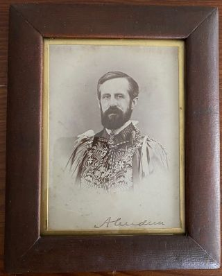 Lord Aberdeen signed photo. John Campbell 1st Marquess of Aberdeen and Temair HAMILTON-GORDON